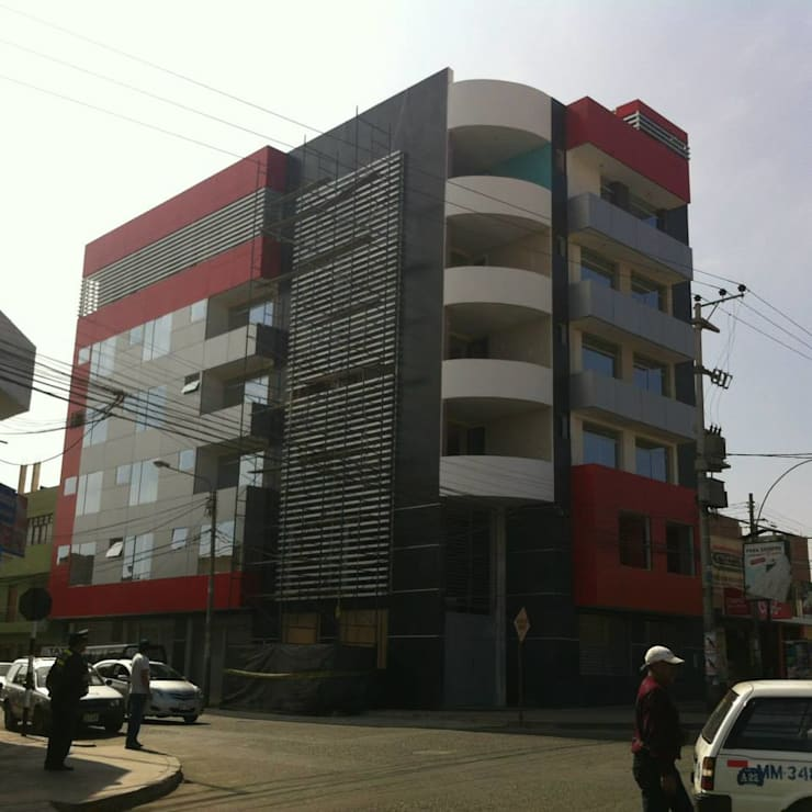 Hotel Plaza Sur Tacna: Hoteles de estilo  por diseño integral y construcción sac, Moderno Aluminio/Cinc