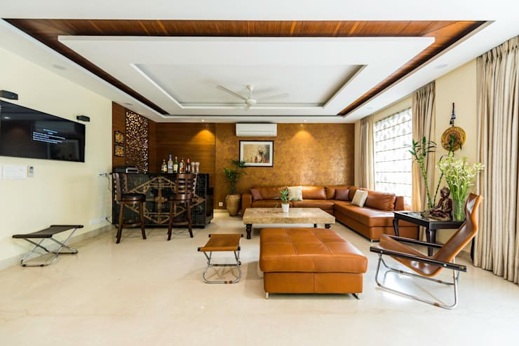 Greater Kailash Residence: classic Living room by Vijay Kapur Designs
