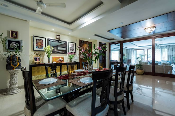 Greater Kailash Residence: classic Dining room by Vijay Kapur Designs