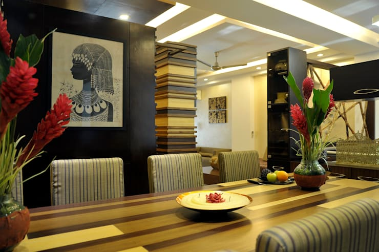 New Friends Colony Residence:  Dining room by Vijay Kapur Designs