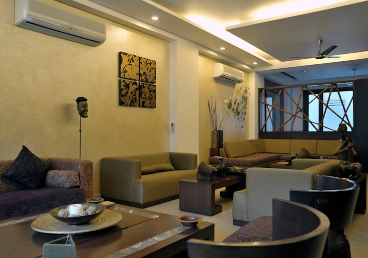 New Friends Colony Residence: classic Living room by Vijay Kapur Designs