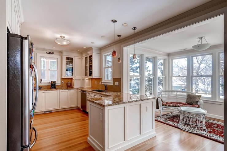 Boulder Kitchen : classic Kitchen by Studio Design LLC