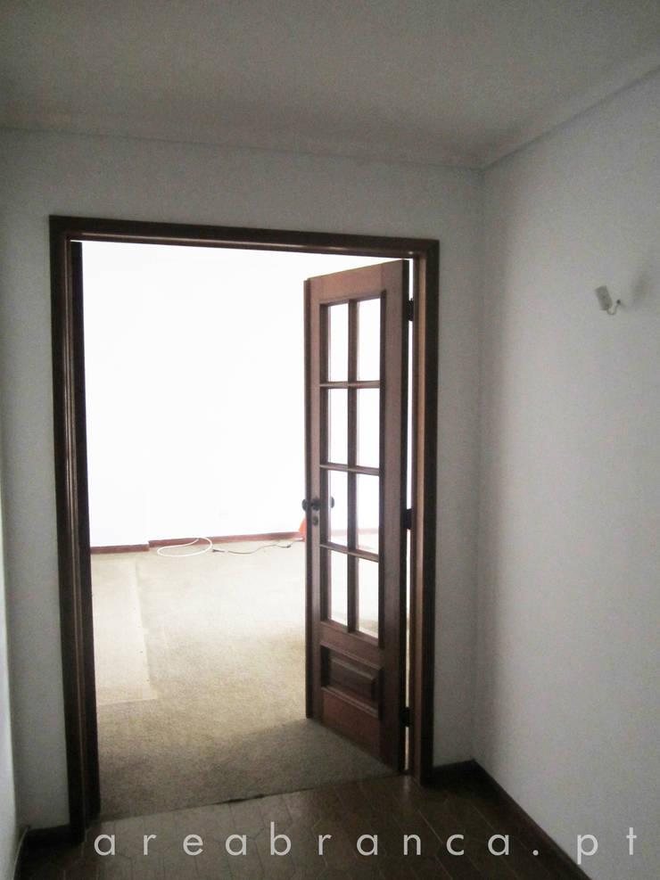 Hall de Entrada Antes:   por Areabranca