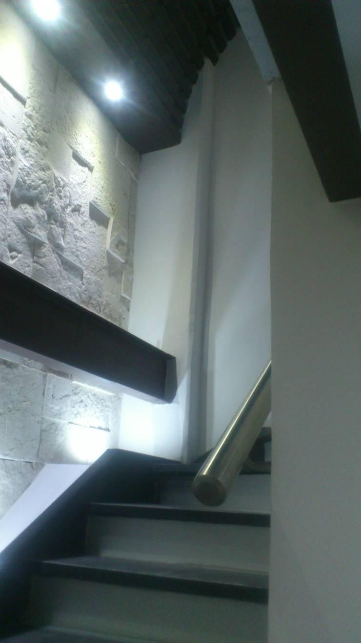 CIRCULACION VERICAL: Estudios y oficinas de estilo  por DISEÑO APLICADO AVANZADO DE GUADALAJARA 2