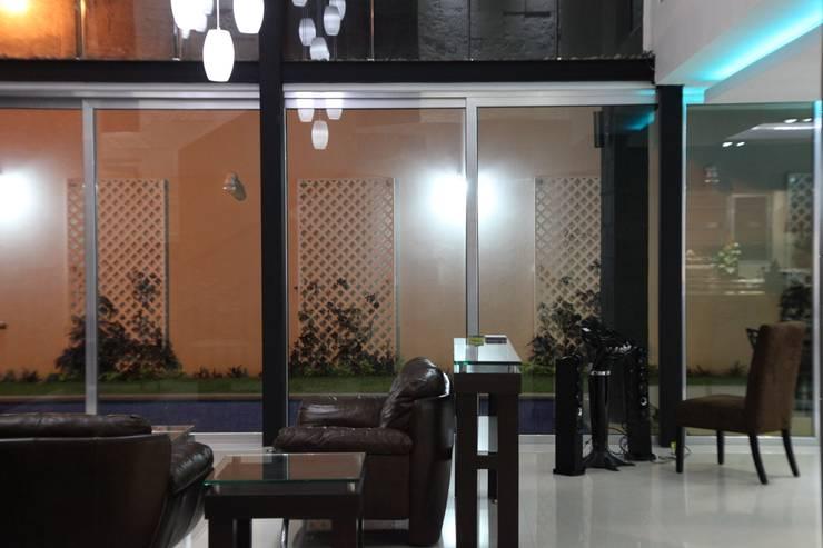 CASA BALLENA: Salas de estilo  por DISEÑO APLICADO AVANZADO DE GUADALAJARA 2