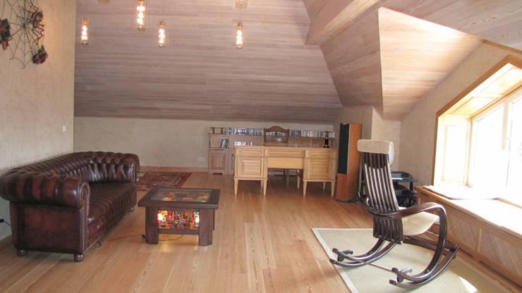 Дом в Захарово: Рабочие кабинеты в . Автор – архитектурная мастерская МАРТ
