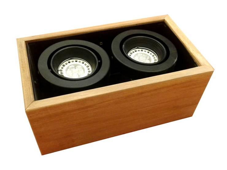 ¡La madera está de moda!: Hogar de estilo  por Griscan diseño iluminación