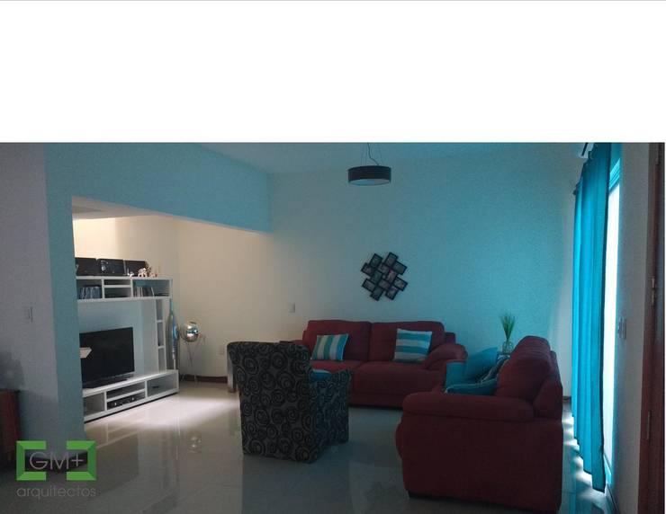Residencia <q>RM-07</q>: Salas de estilo  por [GM+] Arquitectos