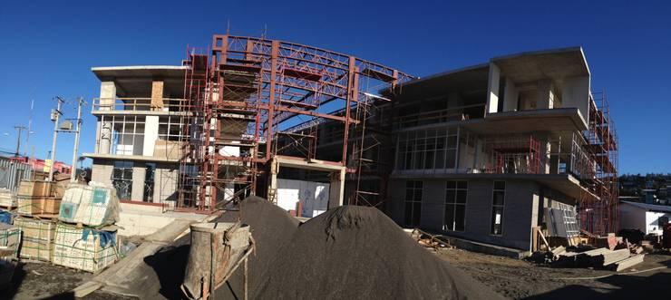 Proyecto Estructural Consistorial Curanilahue: Edificios de Oficinas de estilo  por 2C Civiles Consultores