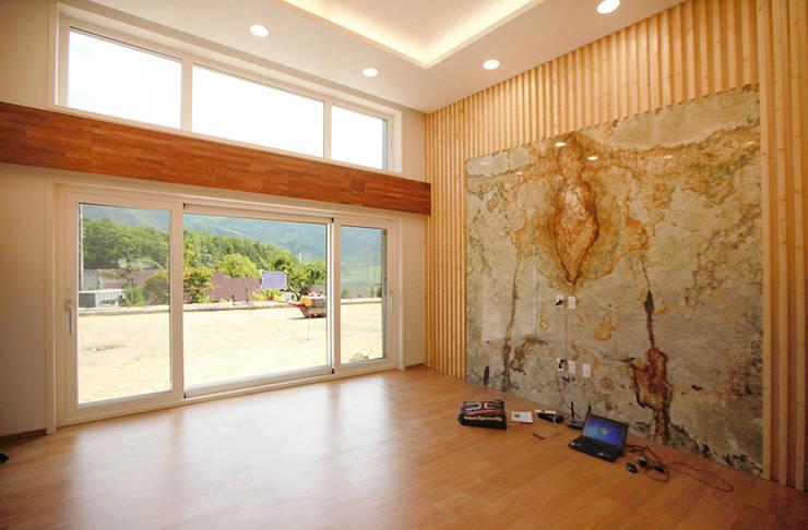 Living room by 지성하우징