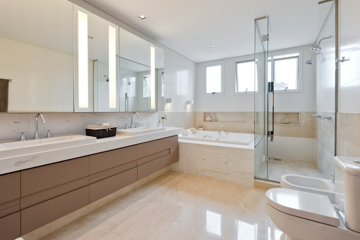 Banheiro Suíte: Banheiros modernos por Studio Leonardo Muller