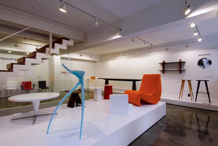 VITRA SEOUL SHOWROOM: HJL STUDIO의  다이닝 룸
