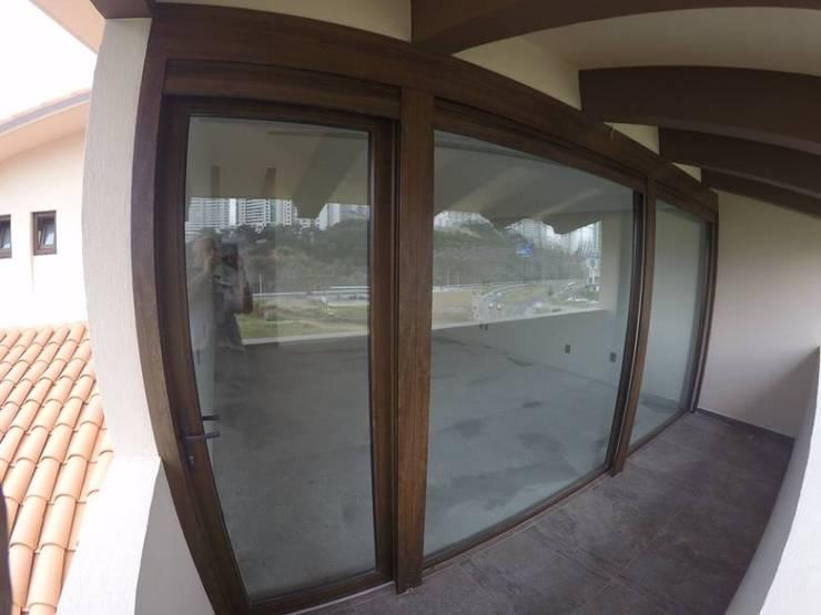 Residencial Vista Horizonte, CD. de México: Casas de estilo  por amieva cristalum