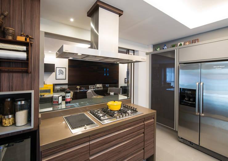 Cozinha: Cozinhas  por Studio Leonardo Muller