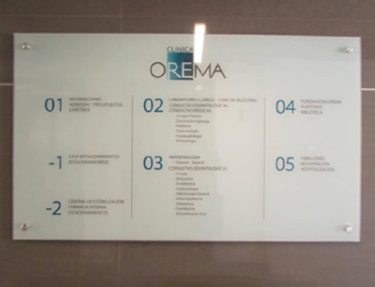 Indice Clinica Orema: Oficinas y tiendas de estilo  por DeskWORK Chile