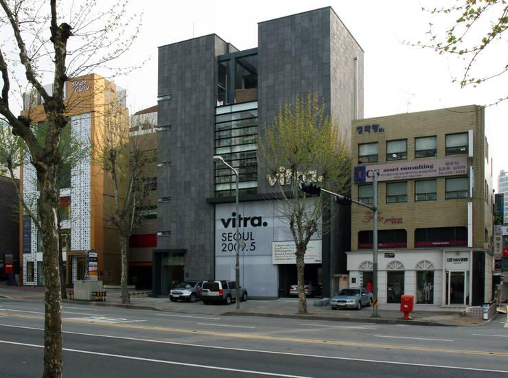 VITRA SEOUL SHOWROOM: HJL STUDIO의  주택