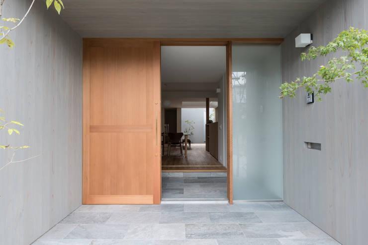 Corridor, hallway by 安江怜史建築設計事務所