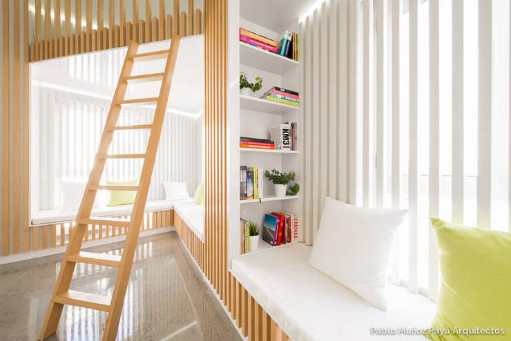 Phòng khách by Pablo Muñoz Payá Arquitectos