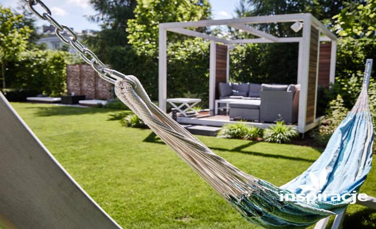 Kameralny ogród nowoczesny: styl , w kategorii Ogród zaprojektowany przez Studio architektury krajobrazu INSPIRACJE