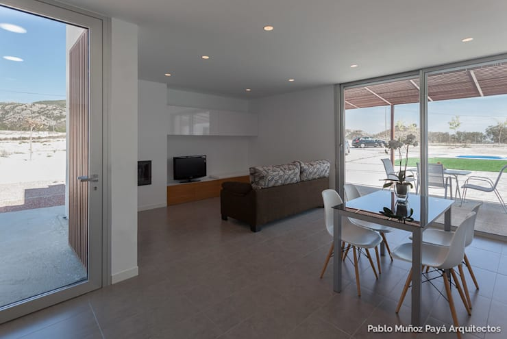 Salas de estar modernas por Pablo Muñoz Payá Arquitectos