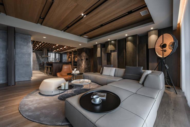 Salas de estilo  por CJ INTERIOR 長景國際設計