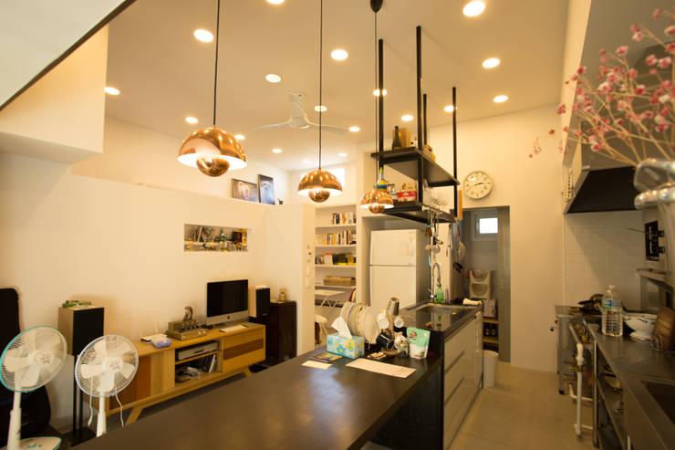 ห้องทานข้าว by 아키제주 건축사사무소