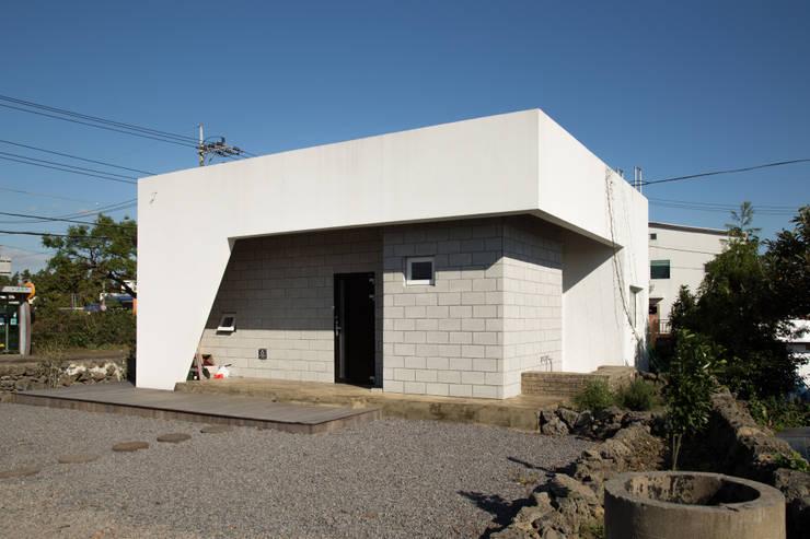 บ้านและที่อยู่อาศัย by 아키제주 건축사사무소