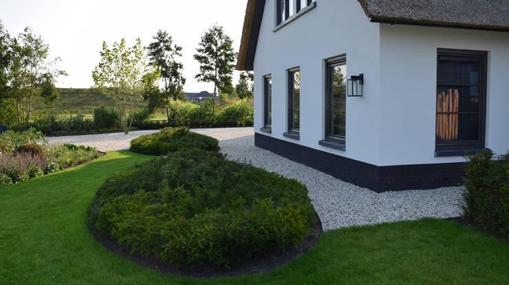 KLAP tuin- en landschapsarchitectuurが手掛けた庭