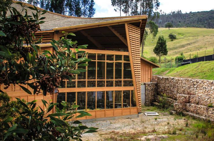 Refugio Industrial TdE: Bodegas de estilo  por Taller de Ensamble SAS