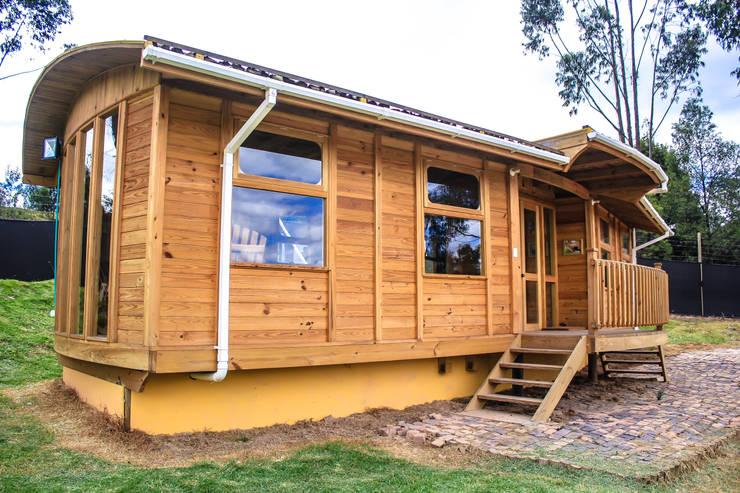 Refugio Tranvia: Casas de estilo  por Taller de Ensamble SAS