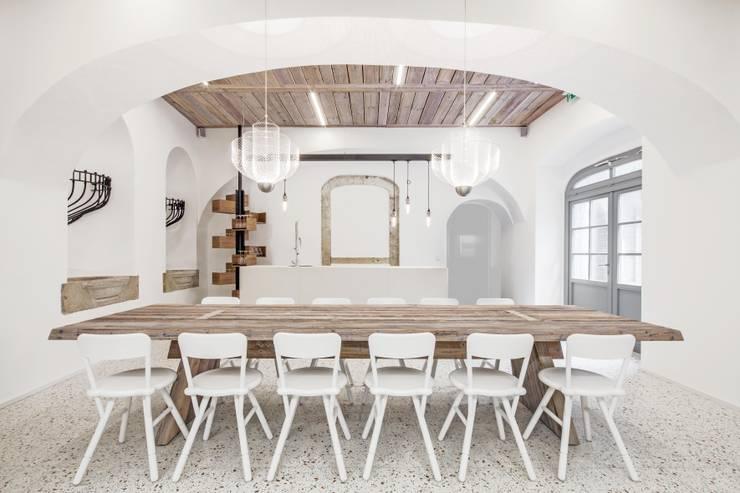 Offices & stores by destilat Design Studio GmbH