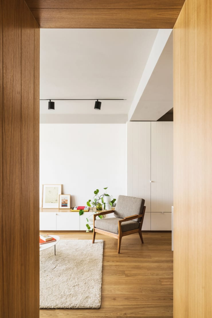 Living room by Iglesias-Hamelin Arquitectos c.b., Scandinavian Solid Wood Multicolored