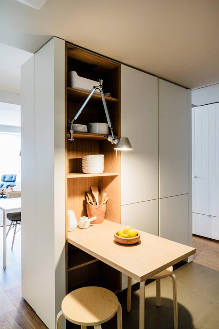 Kitchen by Iglesias-Hamelin Arquitectos c.b., Scandinavian Wood Wood effect