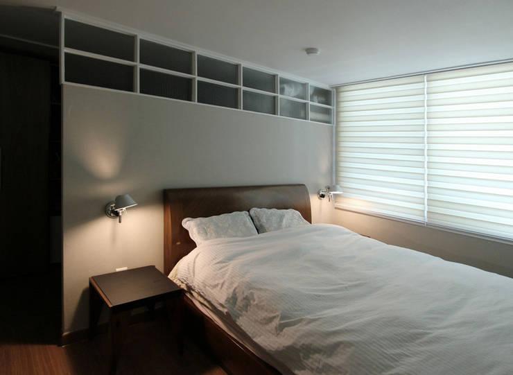목동 아파트 인테리어: 디자인 스튜디오 파브의  침실