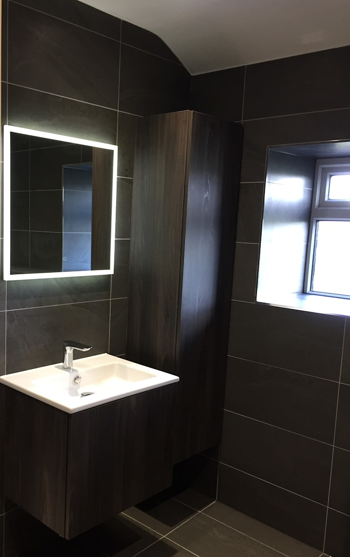 Whittle le woods:  Bathroom by aqua: