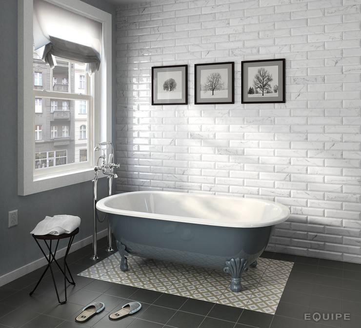 Carrara Metro 7,5x30: Baños de estilo  de Equipe Ceramicas