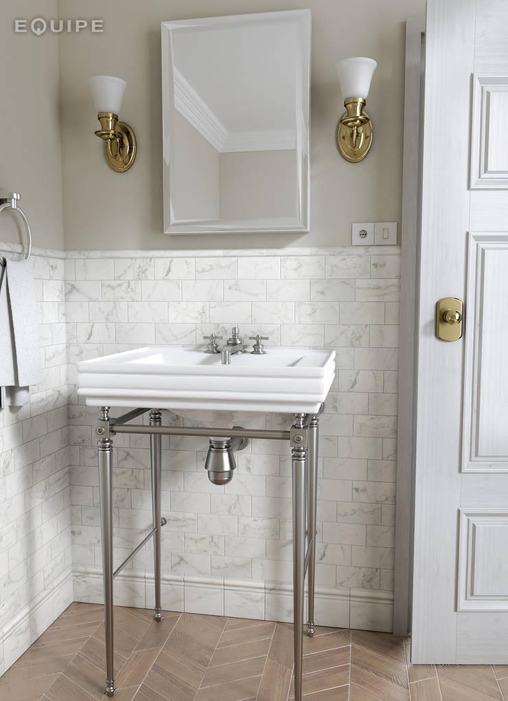 Carrara Matt 7,5x15: Baños de estilo  de Equipe Ceramicas