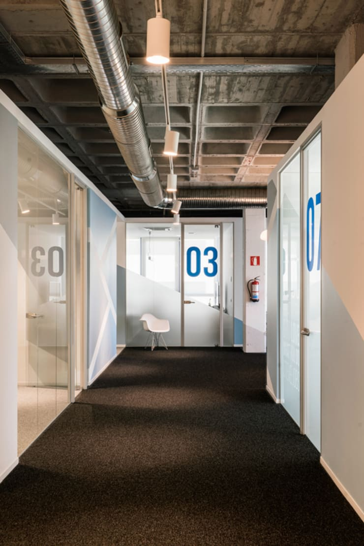 Offices & stores by Iglesias-Hamelin Arquitectos c.b., Industrial