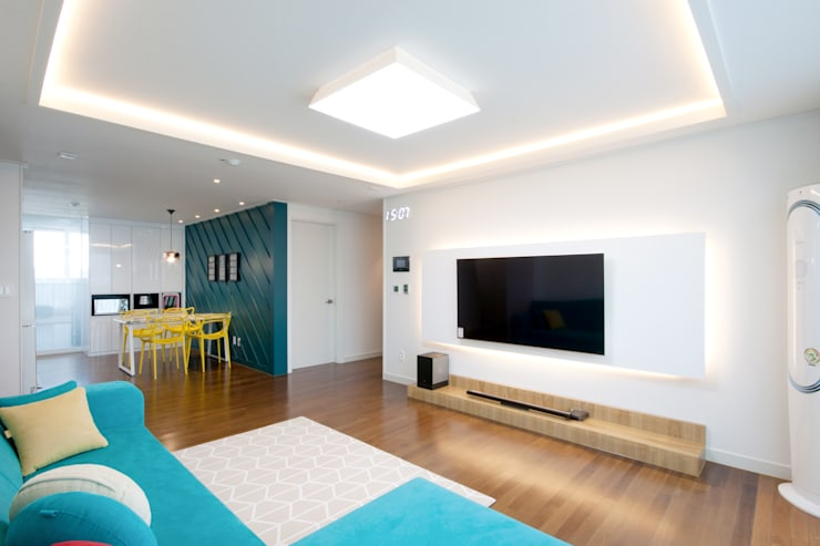 Salas de estilo  por 디자인투플라이