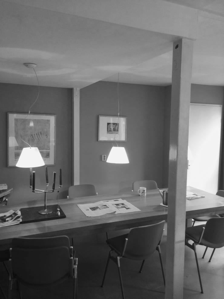 bestaande situatie:  Keuken door Studio Kuin BNI, Modern Hout Hout