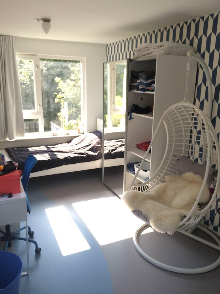 kinderkamer:  Kinderkamer door Studio Kuin BNI, Modern