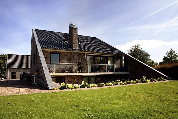 Woonhuis Sondel:  Huizen door Sipma Architecten