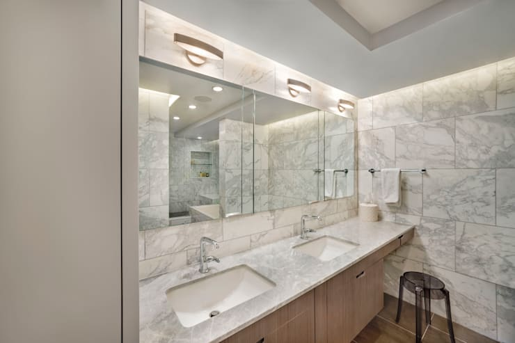 Laight Street Duplex:  Bathroom by Rodriguez Studio Architecture PC