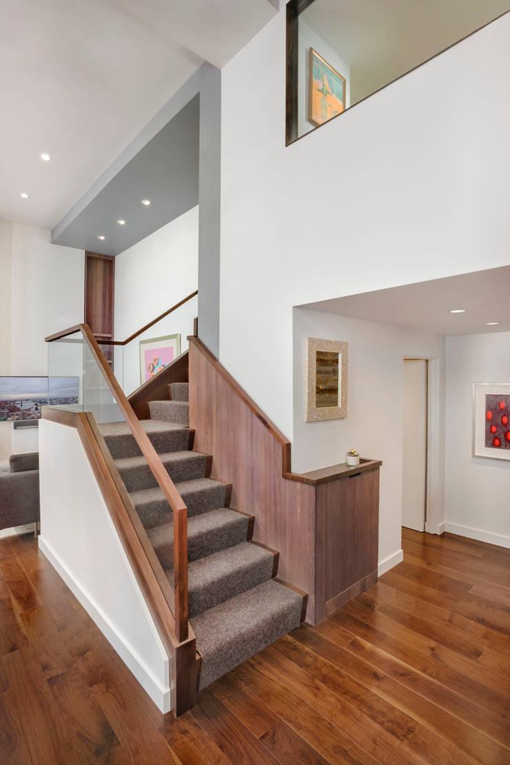 Laight Street Duplex:  Corridor & hallway by Rodriguez Studio Architecture PC