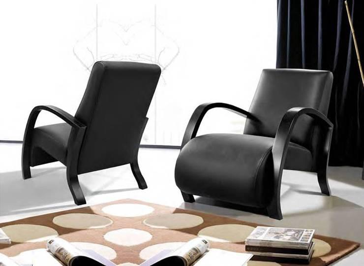 Cadeirões, Poltronas Armchairs www.intense-mobiliario.com  CORA: Sala de estar  por Intense mobiliário e interiores;