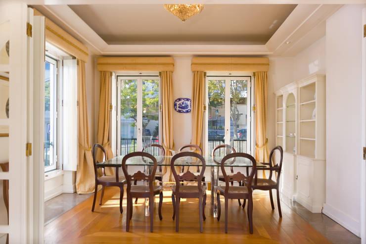 Dinning Room: Salas de jantar  por Pedro Brás - Fotógrafo de Interiores e Arquitectura | Hotelaria | Alojamento Local | Imobiliárias ,Clássico