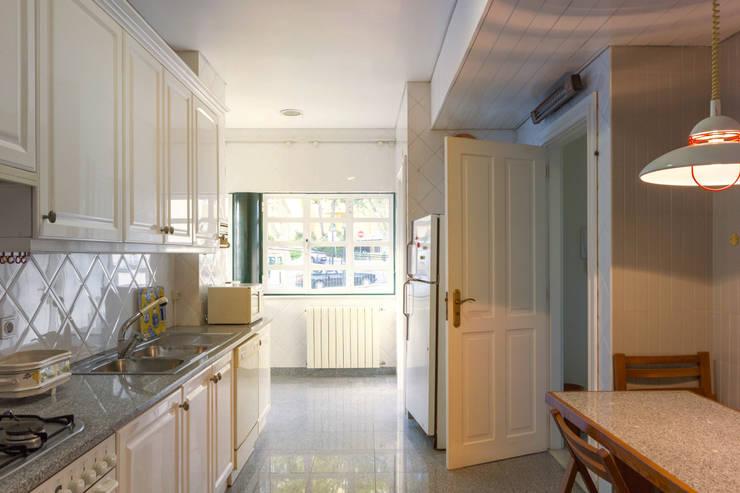 Kitchen: Cozinhas  por Pedro Brás - Fotografia de Interiores e Arquitectura | Hotelaria | Imobiliárias | Comercial