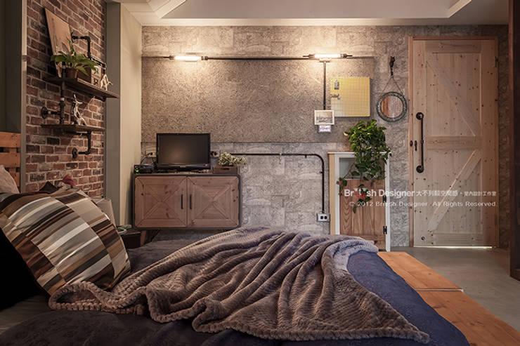 輕工業風-臥室:  臥室 by 大不列顛空間感室內裝修設計