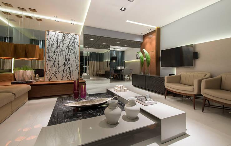 Salas / recibidores de estilo  por Matheus Menezes Arquiteto