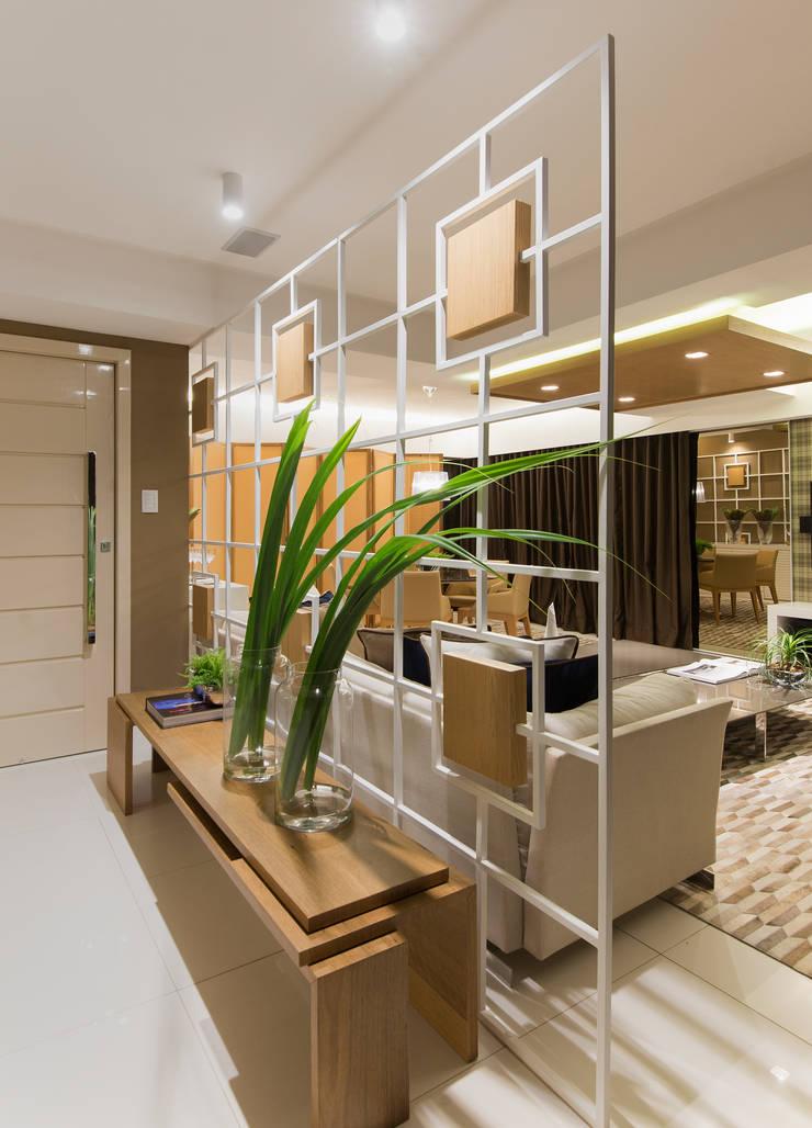 Corredores e halls de entrada  por Matheus Menezes Arquiteto